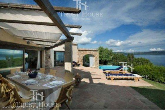 Properties in Porto Rotondo in the sea at low cost in rubles to buy