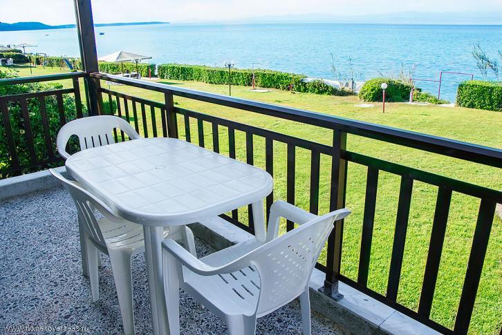 Апартаменты в остров Полихроно на берегу моря цены