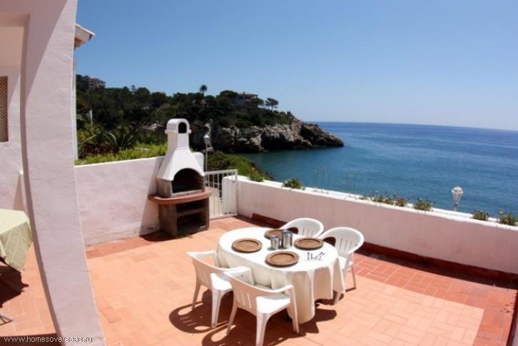 Квартиры на берегу моря в испании фото