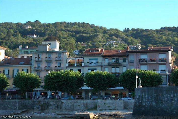 Property in Stresa to buy a house