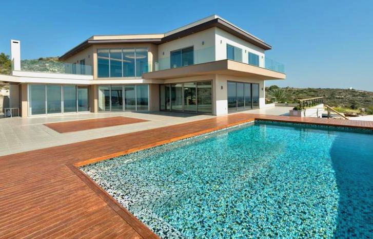 Вилла с бассейном на Кипре - идеальный вариант для большой семьи