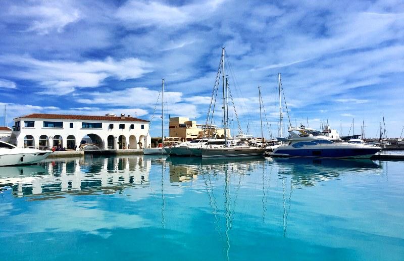 Красота Кипра традиционно привлекает множество покупателей недвижимости