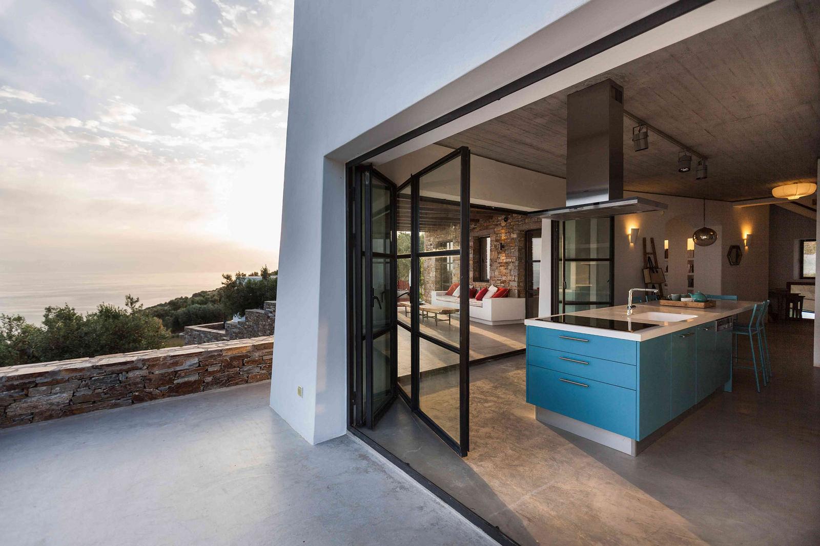 Недвижимость греции цена в каком районе дубай лучше жить