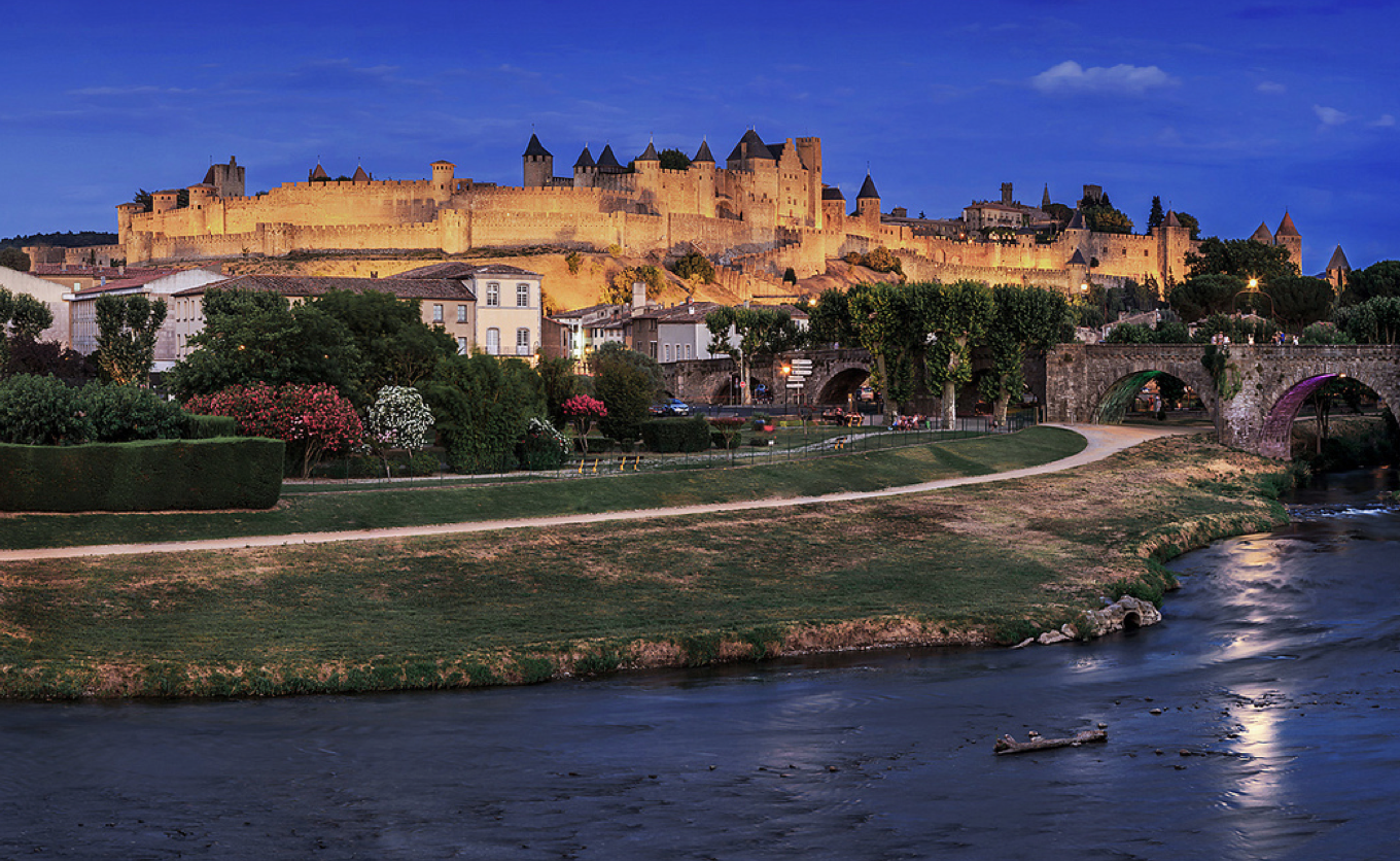 languedoc and toulouse southern france Features southern france's highlights from the pyrénées and languedoc, to beloved provence we begin in the beautiful town of sorèze, and explore the historic market town of albi, including a visit to the toulouse-lautrec museum.